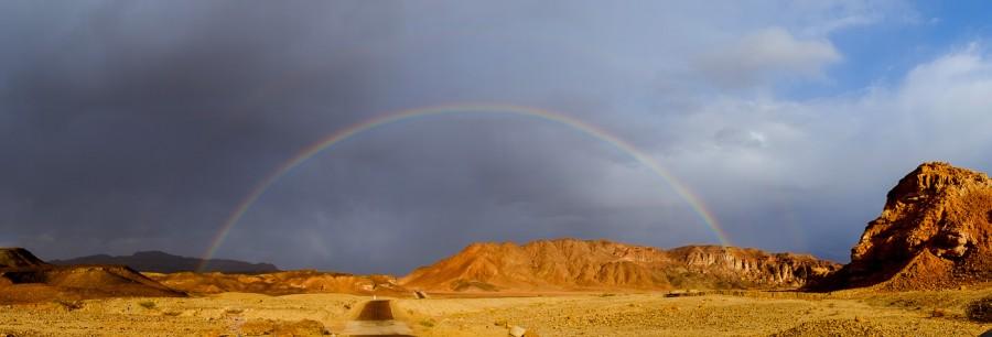 Fuji-X-E1-Timna-park-met-regenboog-panoramas-van-de-woestijn