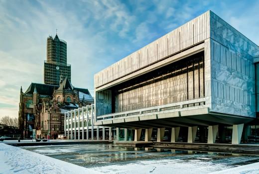 Eusebiustoren-gemeentehuis-Arnhem-winter