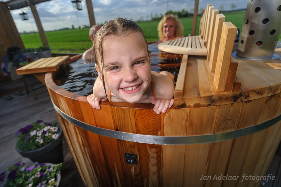 Hot tub met kind